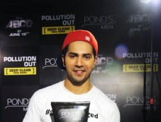 Varun Dhawan At The Launch Of Ponds Men Pollution Out Deep Clean Face Wash Photos