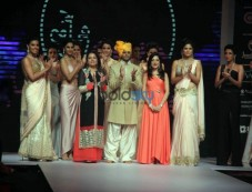 IIJW 2015 Aum Monica Kapur Presented By BVC Logistics Pvt Ltd Photos