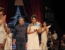 IIJW 2015 - Day 3 Richa Chadda For Anand Shah Jewels Photos