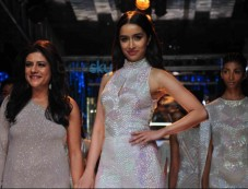 LFW Day 3 - Shraddha Kapoor Walks For Namrata Joshipura Photos