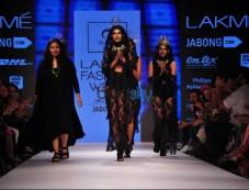 LFW Day 4 - Nitya Arora, Uravashi Kaur Show Photos