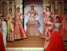 Opening Show By Abu Jani-Sandeep Khosla At IBFW 2015 Photos