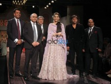 Sonam Kapoor At IIJW 2015 Grand Finale Photos