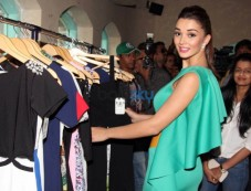 Amy Jackson At Femina Shopping Fest 2015 In F Beach House Photos
