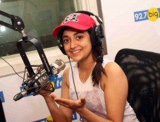 Monali Thakur At Big FM 27 Photos