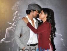 Randeep Hooda And Richa Chadda At The Trailer Launch Of 'Main Aur Charles' Photos