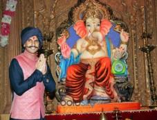 Ranveer Singh Promotes 'Bajirao Mastani' Song On Sets Of Udaan Photos