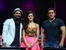 Salman Khan Promotes 'Hero' On The Sets of Dance+ With Sooraj & Athiya Photos