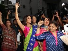 Shilpa And Raj Kundra's At Ganesha Visarjan Photos