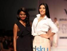 Designer Archana Rao Show At AIFW Photos
