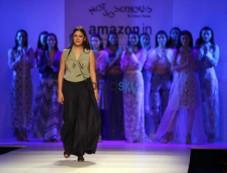 Designer Pallavi Mohan, Hemant And Nandita Show At AIFW Photos