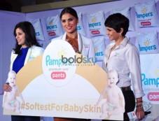 Mandira Bedi And Lara Dutta Launch Pampers Premium Care Pants Photos