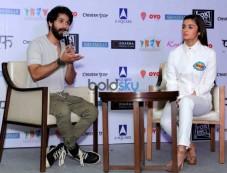 Shahid Kapoor & Alia Bhatt Grace The Media Meet of 'Shaandaar' Photos