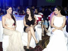Sophie Choudry, Elli Avram And Others At 'Exhibit 2015' Photos
