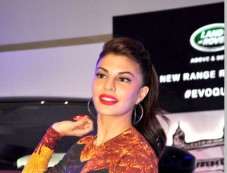 Jacqueline Fernandez Unveils The New Range Rover Evoque Photos