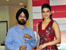 Kriti Sanon At The Launch Of World Of Titan's Diwali Collection Photos