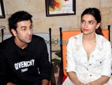 Ranbir And Deepika Snapped At Tamasha Promotions Photos