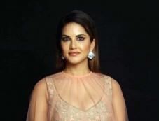 Sunny Leone At Archana Kocchar's Design Photoshoot Photos