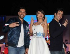 Tusshar Kapoor, Gauhar Khan And Aftab Shivdasani At Kyaa Kool Hai Hum 3 Promotions Photos