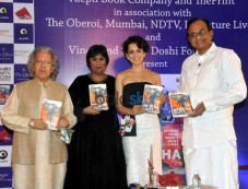 Kangna Ranaut Unveils Barkha Dutt's The Unquiet Land Photos