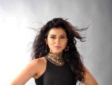Zid Actress Mannara Chopra Latest Cute Photo Shoot Photos