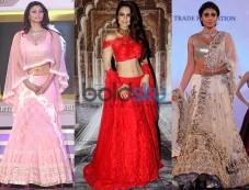 Daisy Shah, Shriya Saran, Ameesha Patel And Others At The 'National Jewellery Awards 2016' Photos