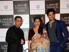 Sidharth Malhotra And Kajol At Lakme Fashion Week Curtain Raiser Event Photos