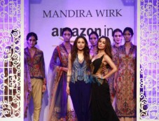 Designer Mandira Wirk Show, Malaika Arora Khan Walked The Ramp At AIFW 2016 Photos