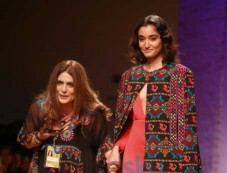 Designer Reynu Taandon Collection At AIFW 2016 Photos