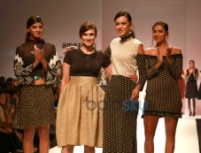 Designer Rina Dhaka Collection At AIFW 2016 Photos