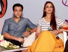 Emraan Hashmi And Sonali Bendre At Spring Fever 2016 Photos