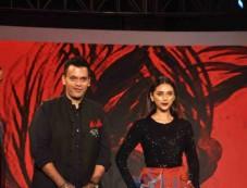 Vidyut Jamwal And Aditi Rao Hydari Walk The Ramp For The Woolmark Show Photos