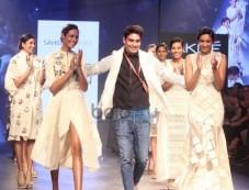 Show Design By Sahil Kochaar At LFW Day 1 Photos