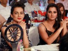 Kangana Ranaut And Sania Mirza At CNN IBN Indian Of the Year 2015 Awards Photos