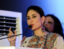 Kareena Kapoor At UNICEF Event In Lucknow Photos