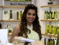 Bipasha Basu Launches Korean Naturalism Beauty Brand Innisfree Photos