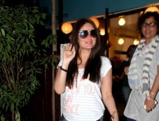 Spotted Kareena Kapoor At Salon Photos