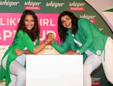 Sonakshi At The Announcement Of Whisper Like A Girl & Proud Challenge Photos