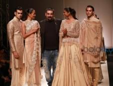 Designer Siddhartha Tytler Collection At AIFW Spring Summer 2017 Photos