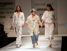 Designer Urvashi Kaur Show At AIFW 2016 Photos