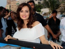 Dia Mirza visit GoodHomes for Art Festival 2016 Photos