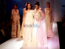 Nimrat Kaur Walks The Ramp For Mandira Wirk Show At AIFW Spring Summer 2017 Photos