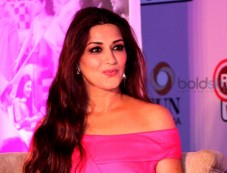 Sonali Bendre At Revital H Woman's Healthy Conversation Launch Photos