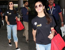 Alia Bhatt Looked Cool In Black Top And Ripped Blue Denims Photos