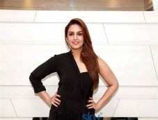 Huma Qureshi & Saqib Saleem Promote Dobara Movie Photos