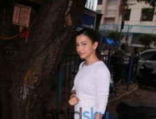 Gauhar Khan Spotted At Sequel Cafe Bandra Photos