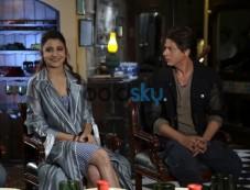 Anushka Sharma and Shah Rukh Khan promotes Harry Met Sejal , in New Delhi Photos