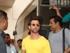 Ayushman Khurana,Hrithik Roshan And Kriti Sanon Spotted At Mehboob Studio Photos