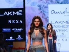 Diana Penty,Pooja Hegde,Sonal Chauhan,Nidhi Agarwal & Others Celebs At Lakme Fashion Week Photos
