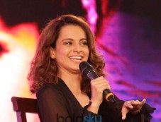 Kangana Ranaut At NDTV Youth For Change Photos